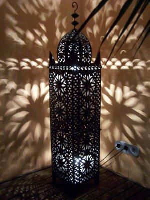 Oosterse lantaarn van metaal zwart Frane 130 cm groot   Marokkaanse tuinlantaarn voor buiten, binnen als vloerlantaarn   Marokkaans windlicht windlicht hangend of om neer te zetten