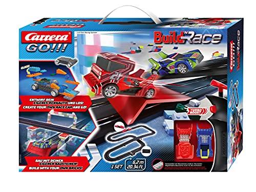 Carrera GO!!! Build \'n Race Rennstrecken Set für Kinder ab 6 Jahren & Erwachsene I 6,2m Rennbahn mit 2 Handreglern & Sprungschanze I kompatibel mit anderen Baustein-Herstellern I Geschenk für Kinder