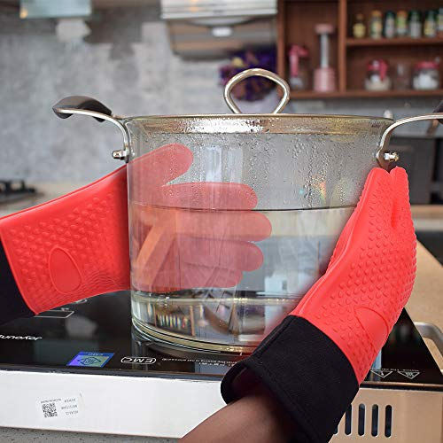 SkyC- Oven Gloves, Pot Holder, Oven Mitts, Cooking Gloves, Grilling Gloves, Kitchen Mittens, Heat Resistant, BBQ Gloves, 450 Degrees F. (Red)