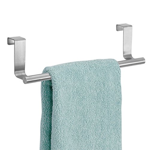 mDesign Toallero sin taladro – Percha para puerta de acero inoxidable ideal para paños de cocina o toallas de baño – Montaje fácil, se cuelga en las puertas de los armarios – plateado