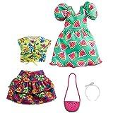 Barbie Fashionistas Kit vêtements, 2 tenues pour poupée dont robe motifs pastèque, jupe, débardeur hawaïen et 2accessoires, jouet pour enfant, GRC85