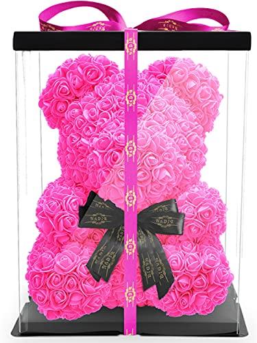40cm Pinke Künstliche Rosenbär mit schwarzer Schleife L-33cm x B-33cm x H-40cm inklusive Geschenkbox - Rose bear with black bow 40 cm incl. giftbox - Flower Teddy Muttertag (Pink)(Schleife)