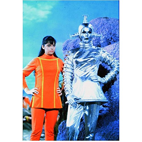 Lost in Space (1965) 8 x 10 Photo Angela Cartwright & Silver Space Female kn