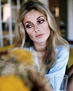 Sharon Tate 16x20 Poster Valley of the Dolls