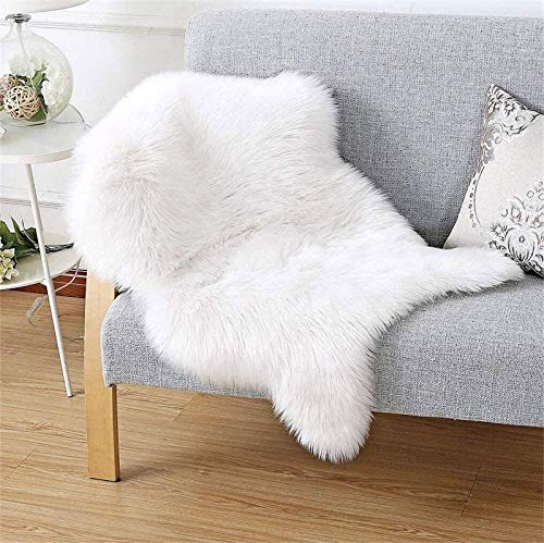 HEQUN Faux Fur Sheepskin Style Rug Faux Fleece Chair Cover Seat Pad Soft Fluffy Shaggy Area Rugs For Bedroom Sofa Floor (White, 50 X 80 CM)