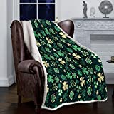 Singingin St. Patrick's Day Sherpa Fleece Throw Blanket for Kids and Adults Traditional Shamrock Pattern Super Soft Luxurious Plush Fluffy Throw Blankets Autumn Winter Warm Thermal Blanket 40x50inch