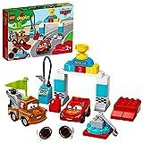 LEGO 10924 Duplo Cars de Disney y Pixar: Día de la Carrera de Rayo Mcqueen, Coches...