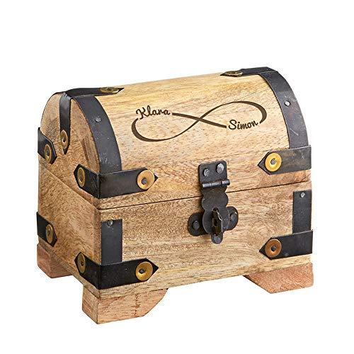 Casa Vivente – Helle Schatztruhe mit Gravur – Unendlichkeits-Zeichen – Personalisiert mit Namen – Schmuckkästchen aus Holz – Geschenkidee Paare zur Hochzeit
