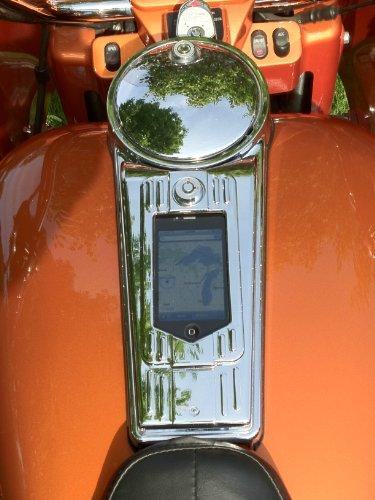 Cyclone Custom Harley Cell Phone Console