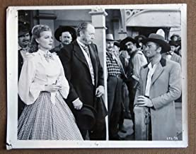 DE01 Silver River ERROL FLYNN/ANN SHERIDAN Studio Still. Here s a terrific studio still from the original release of DODGE CITY featuring a great image of ERROL FLYNN and ANN SHERIDAN. Studio Still is in FAIR condition. Multiple pinholes, no stains, no tears, but some knicks on the borders. A lobby card is an 11 x 14 inch placard advertising a movie. They were displayed in the theatre lobby to entice moviegoers to go to the box office and buy a ticket.