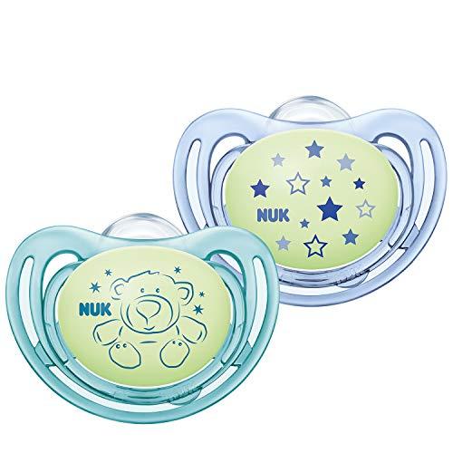 NUK Freestyle Night Schnuller | mit Leuchteffekt | Silikon | 0-6 Monate | kiefergerechte Form | grün & blau | 2 Stück