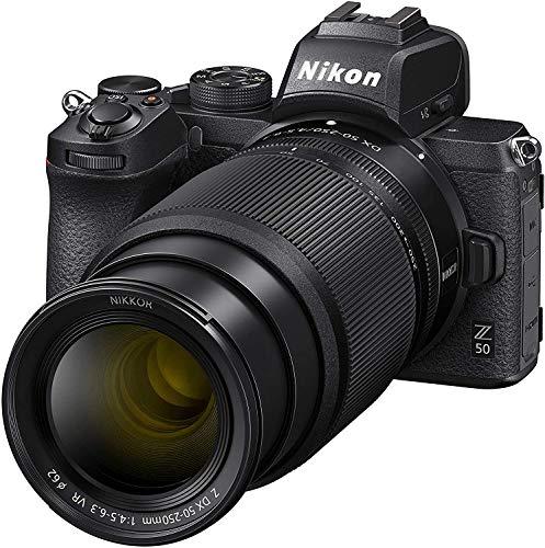 Nikon Z50 - Cámara sin Espejo con Objetivos 16-50 DX VR, 50-250 DX VR, trípode, Tarjeta SD 64 GB 1000X, Libro y Bolsa, Negro - Versión NIKONISTAS