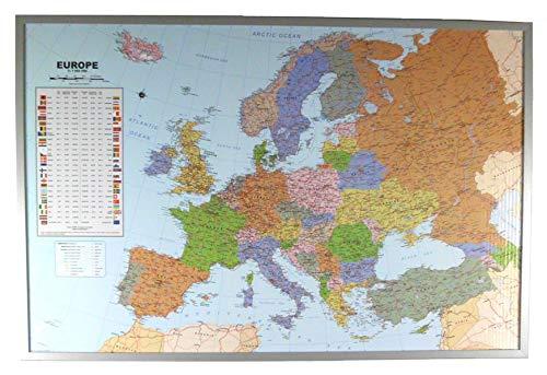 Politische Europakarte auf Kork-Pinnwand, englisch, 90x60cm: Europakarte zum Pinnen, Maßstab 1:7.000.000 Mio., mit 12 Pinnfähnchen mit silberfarbenen Holzrahmen