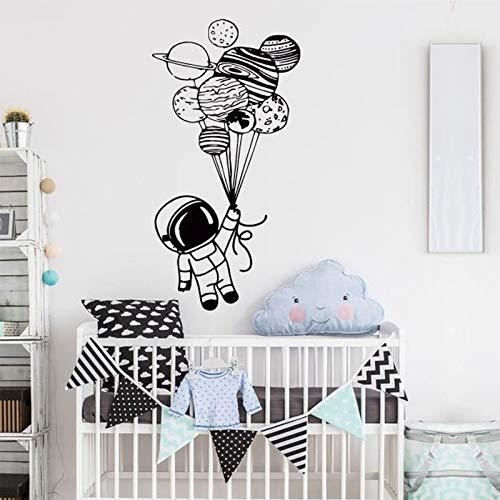 Astronauta sosteniendo globos calcomanía de pared calcomanía espacial calcomanía de pared para guardería niños dormitorio decoración calcomanía de pared A8 57x112cm