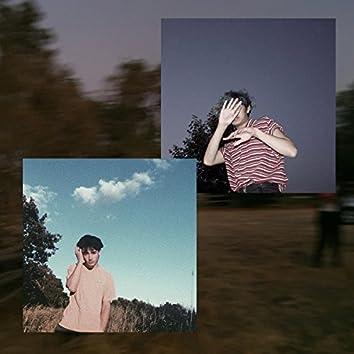 Close Yr Eyes (feat. Alfie Templeman)
