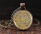 Collar con colgante de calendario maya, joyería con calendario azteca, colgante maya, joyería maya, colgante de cúpula de cristal, collar para hombre