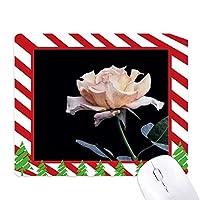 ピンクの白の美しい花 ゴムクリスマスキャンディマウスパッド