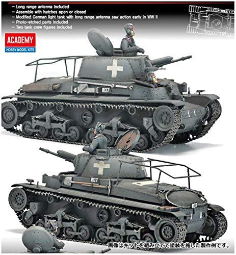 Academy AC13313 – 1/35 Chariot de Commande blindé 35 T Command Tank