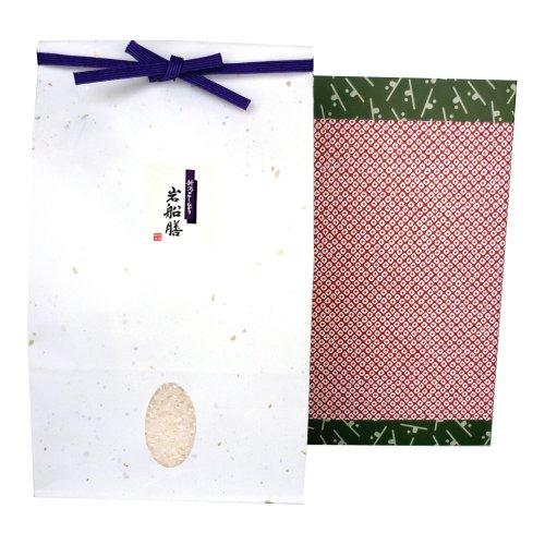 【長寿のお祝いに】新潟コシヒカリ(アイガモ農法・無農薬米) 2kg 贈答箱入り[包装紙:鹿の子]