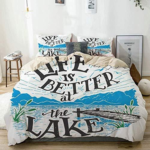 Juego de funda nórdica beige, Life is Better at The Lake, muelle de madera, plantas, montañas, bosquejo al aire libre, juego de cama decorativo de 3 piezas con 2 fundas de almohada, fácil cuidado, ant