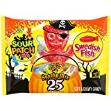 Sour Patch Kids Original SOUR PATCH KIDS & SWEDISH FISH Halloween Candy (25 Count), Variety Pack