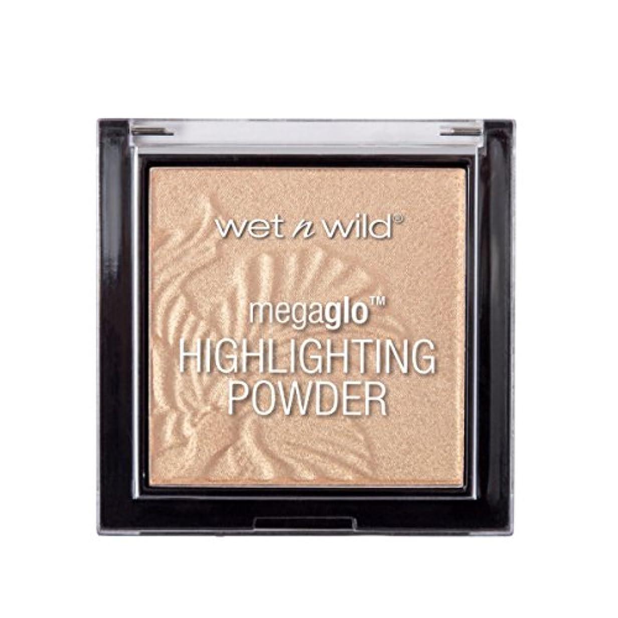 うぬぼれお酢まさに(3 Pack) WET N WILD MegaGlo Highlighting Powder - Golden Flower Crown (並行輸入品)