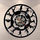 Joueur de Football Vintage Silhouette Disque Vinyle Horloge Murale Football Coup De Pied Horloge Montre Football Sport Mur Art Décoration