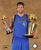 The Poster Corp Dirk Nowitzki mit dem NBA-Meisterschaft