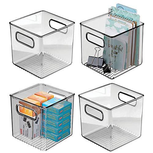 mDesign Juego de 4 cajas de almacenaje con asas integradas – Cajas organizadoras para cocina, baño o material de oficina – Organizador de escritorio en plástico – transparente/gris