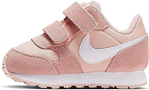 Nike MD Runner 2 PE (TDV), Zapatillas de Estar por casa Bebé Unisex, Multicolor (Coral Stardust/White 000), 21 EU