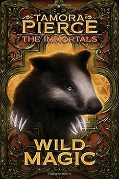 Paperback Wild Magic, 1 Book