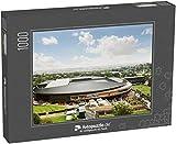 fotopuzzle.de Puzzle 1000 Teile Wimbledon-Stadion unter blauem Sonnenhimmel mit grünen Bäumen und...