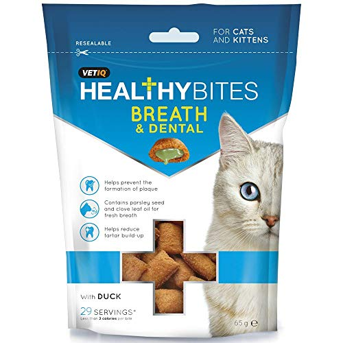 VetIQ Healthy Bites Breath & Dental are delicious dual action treats formulated to comprise a dry outer shell which massages gums and scrapes the tooth surface