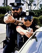 Terence Hill and Bud Spencer in I Due Superpiedi Quasi Piatti Pointing Guns Crime Busters 8x10 Publicity Photo