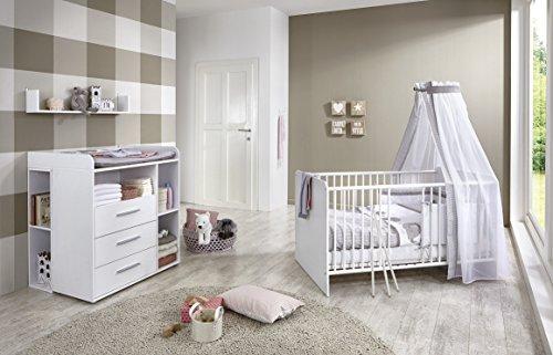 Babyzimmer/Babymöbel komplett Set KIM 6 in Weiß, Set mit Babybett, Lattenrost, Wickelkommode + Wickelaufsatz und 2 Unterbauregalen sowie Wandregal, Made in Germany