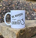 DKISEE Ob taza, en su cuello uterino, obginebra, obstetricia de enfermera, obstetricia de obstetricia regalo de bebé, regalo de agradecimiento, taza de café divertida, regalo de doctor de 11 onzas