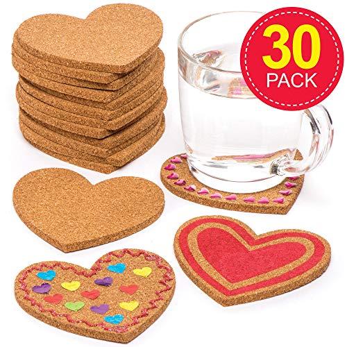 Baker Ross Pack ahorro de posavasos de corcho con forma de corazón (Paquete de 30) Manualidades para niños para el Día de la Madre y San Valentín