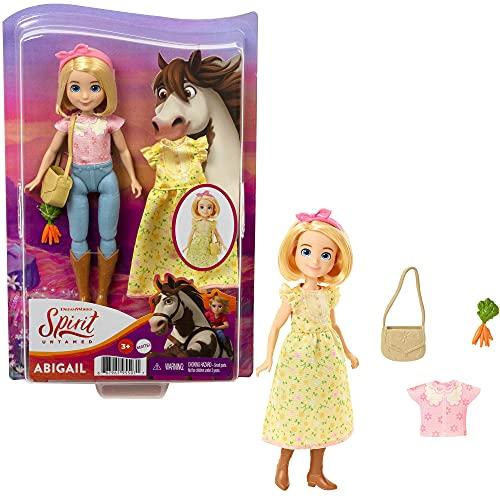 Spirit Bambola Abigail con Vestitino Giallo, Borsetta e Accessori, Giocattolo per Bambini 3+ anni, GXF19
