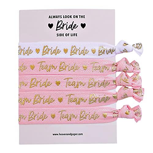 JGA - Juego de pulseras para despedida de soltera (4 + 1), color rosa y blanco con letras doradas, elásticas, suaves y de alta calidad (Bride/Team Bride Rose)