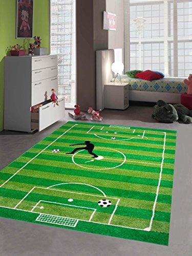 Traum Kinderteppich Spielteppich Kinderzimmerteppich Fußballteppich in Grün, Größe 140x200 cm