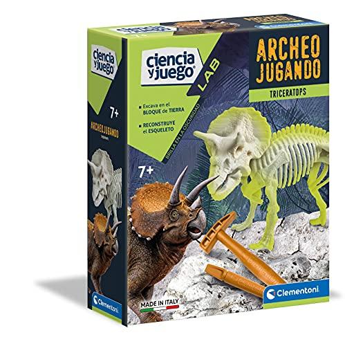 Clementoni-55031 - Arqueojugando Triceratops fosforescente - juego científico para excavar y montar dinosaurios a partir de 7 años