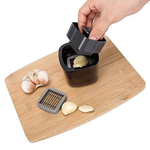 Yoofor Mini Knoblauchschneider Garlic Press Knoblauch Crusher Knoblauchpresse aus Edelstahl Schneidklingen guter Küchenhelfer für Kochen