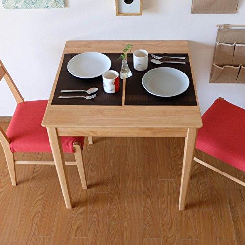 ところが、テーブルの型が「正方形」であれば、奥行き80cm未満でも、幅70cm以上であれば広く感じられます。  椅子とのバランスも美しく、部屋にレイアウトもしやすいため、2人用ダイニングテーブルでは定番です。 主流のサイズは、「70cm角×75cm角」です。