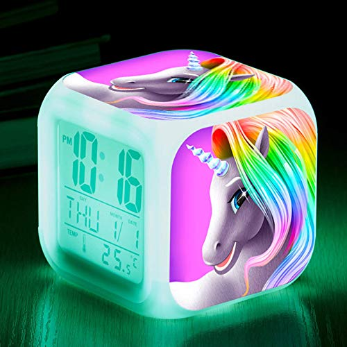 El colorido reloj despertador cuadrado alrededor del caballo unicornio. LED despertador colorido que cambia de color. Reloj despertador pequeño de 8 cm. Regalos para estudiantes