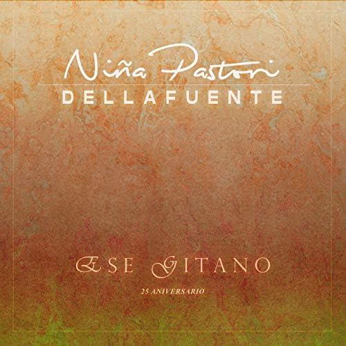 Niña Pastori & DELLAFUENTE