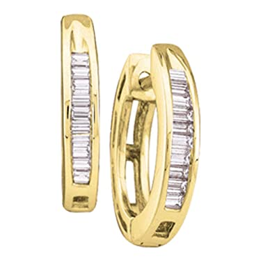 The Diamond Deal - Pendientes de aro para mujer de oro amarillo de 10 quilates con diamante Baguette 1/8 quilates