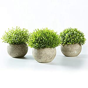 Jobary Set de 3 Plantas Artificiales con Césped Verde en Macetas Grises, Plantas Pequeñas Sintéticas de Plástico…