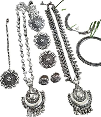 Un bonito juego de 10 piezas oxidadas - 2 collares largos, par de pendientes, anillos de punta, anillo de señal, tika maang, 2 pulseras (tamaño 2.6)
