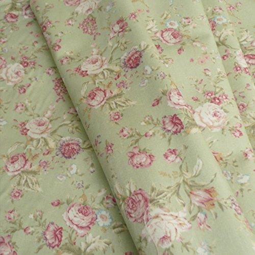 Stilvoller Vintage Stoff mit Blumenprint, Altrosé mit salbeigrünem Hintergrund, Baumwollgewebe, Popeline–Meterware