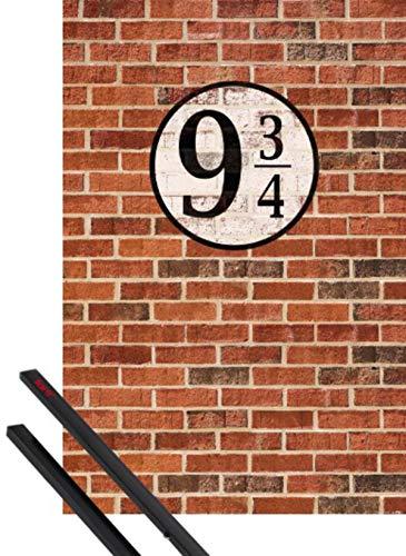 1art1 Ziegelstein-Mauern Poster (91x61 cm) Gleis Neundreiviertel Inklusive EIN Paar Posterleisten, Schwarz